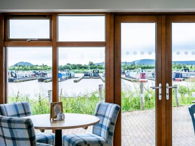 Tattenhall-Boathouse-Café-Bar